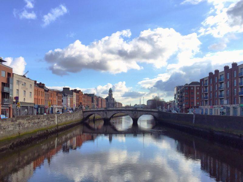 dublin-ireland-looking-east-towards-city-centre-VP4NKBK